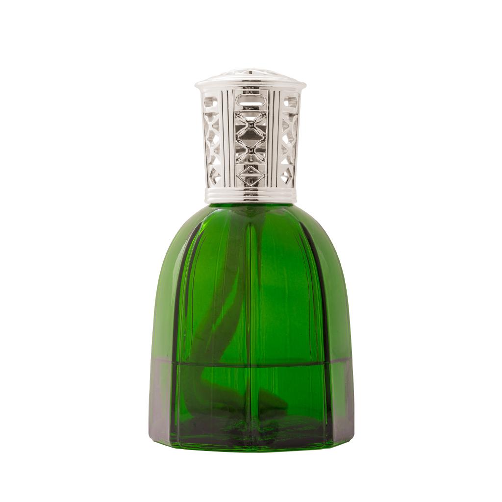 LAKÁSILLAT - kedvenc parfümlámpa üvegünk ez a ragyogóan zöld kézműves remek, formája a firenzei dómot idézi, színével a friss esőáztatta olasz kertekbe repít. többféle illat közül választhatsz, foglalj időpontot magadnak az illatkostolásra!