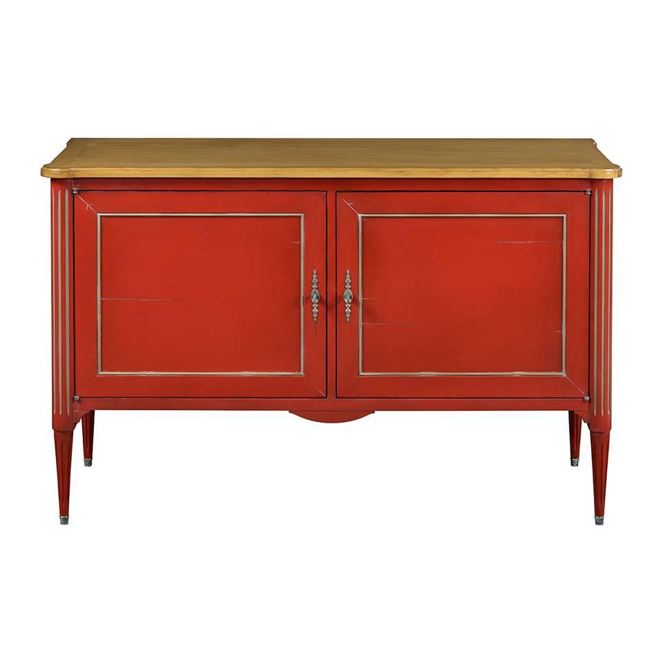 grange vörös - drámai hatást válthatsz ki egy jól megtervezett elegáns vörösre pácolt előszobai szekrénnyel, melyre táskát, kalapot is tehetsz. Ha félted a karcolástól bútorod politúrját, vágass rá egy szép füstüveget melynek élét pár miliméterrel csiszoltasd le, így a bútor élének kerekítését sem zavarja a látványa. a grange ermitage kollekciójából többféle komód közül választhatsz!