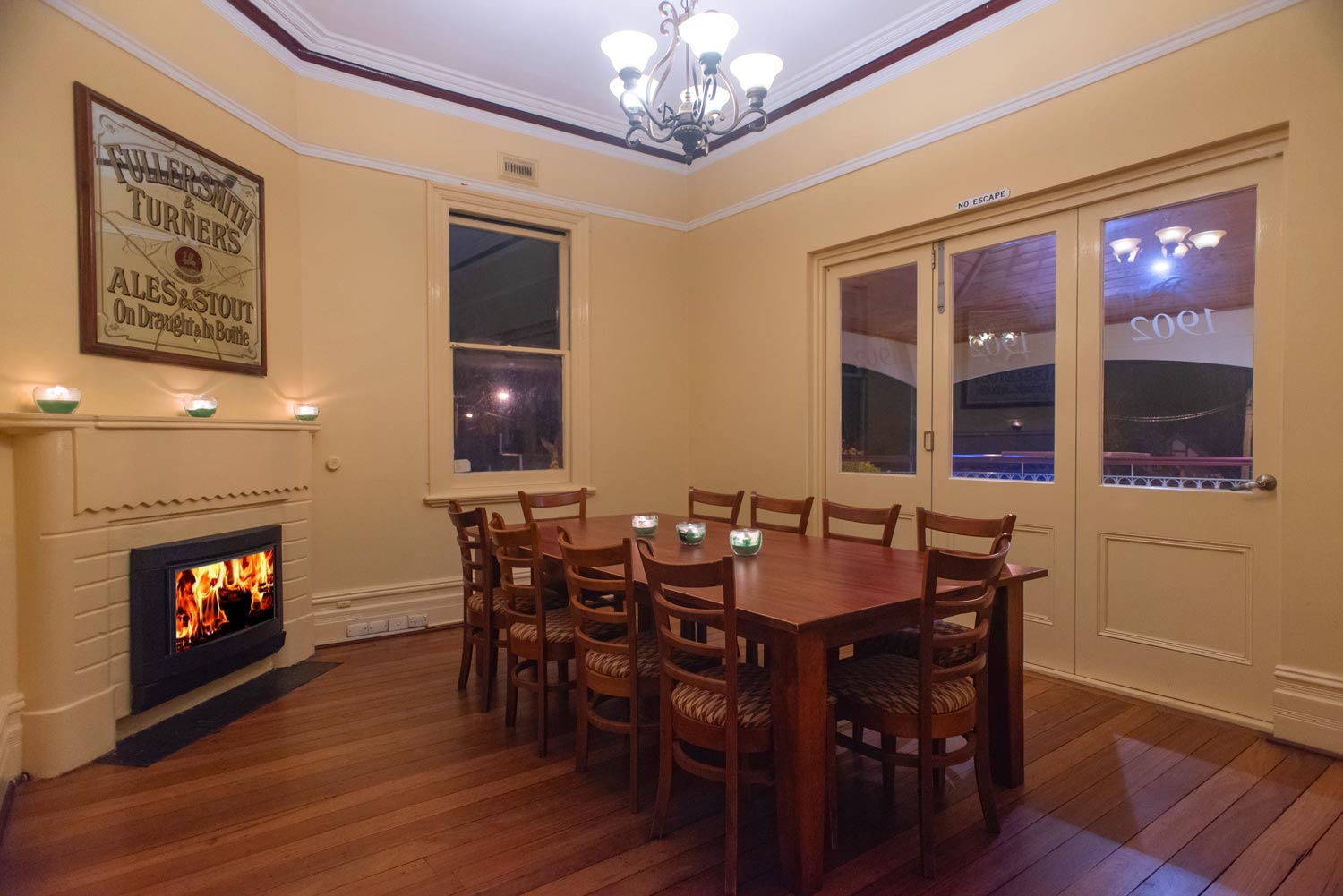 guiness_room_with_fireplace.jpg
