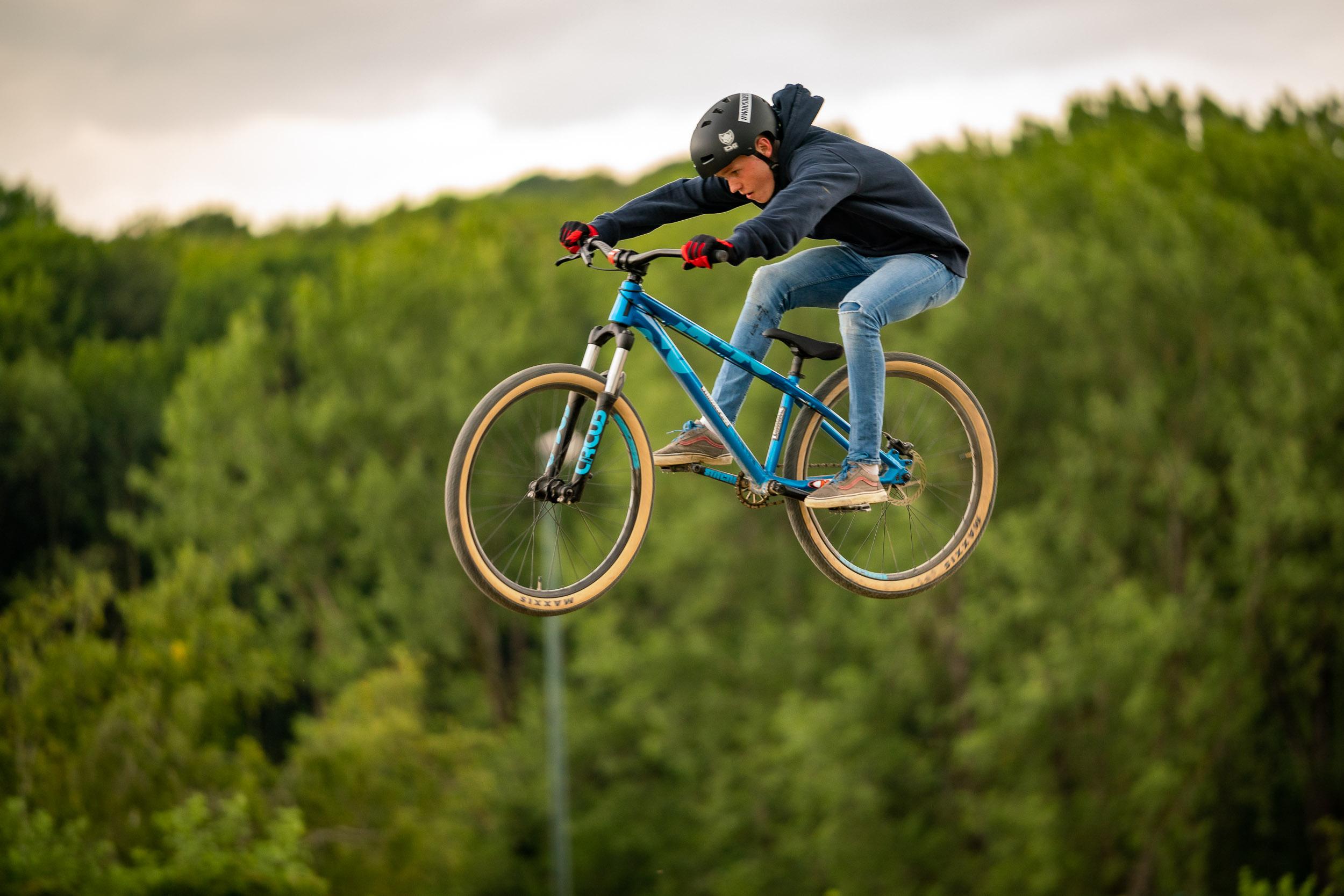 Journée au Bike Park. Photo prise par un photographe d'événem