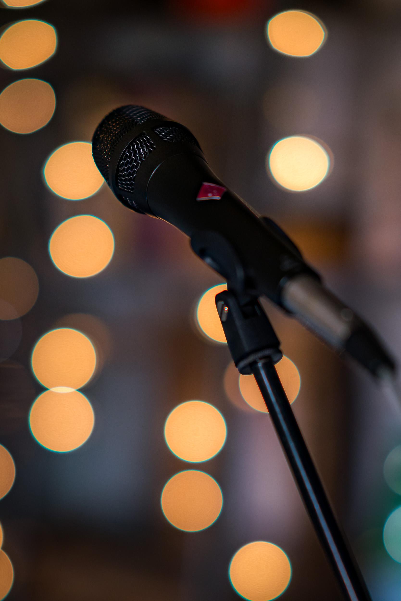 Concert intime pris par un photographe d'entreprise