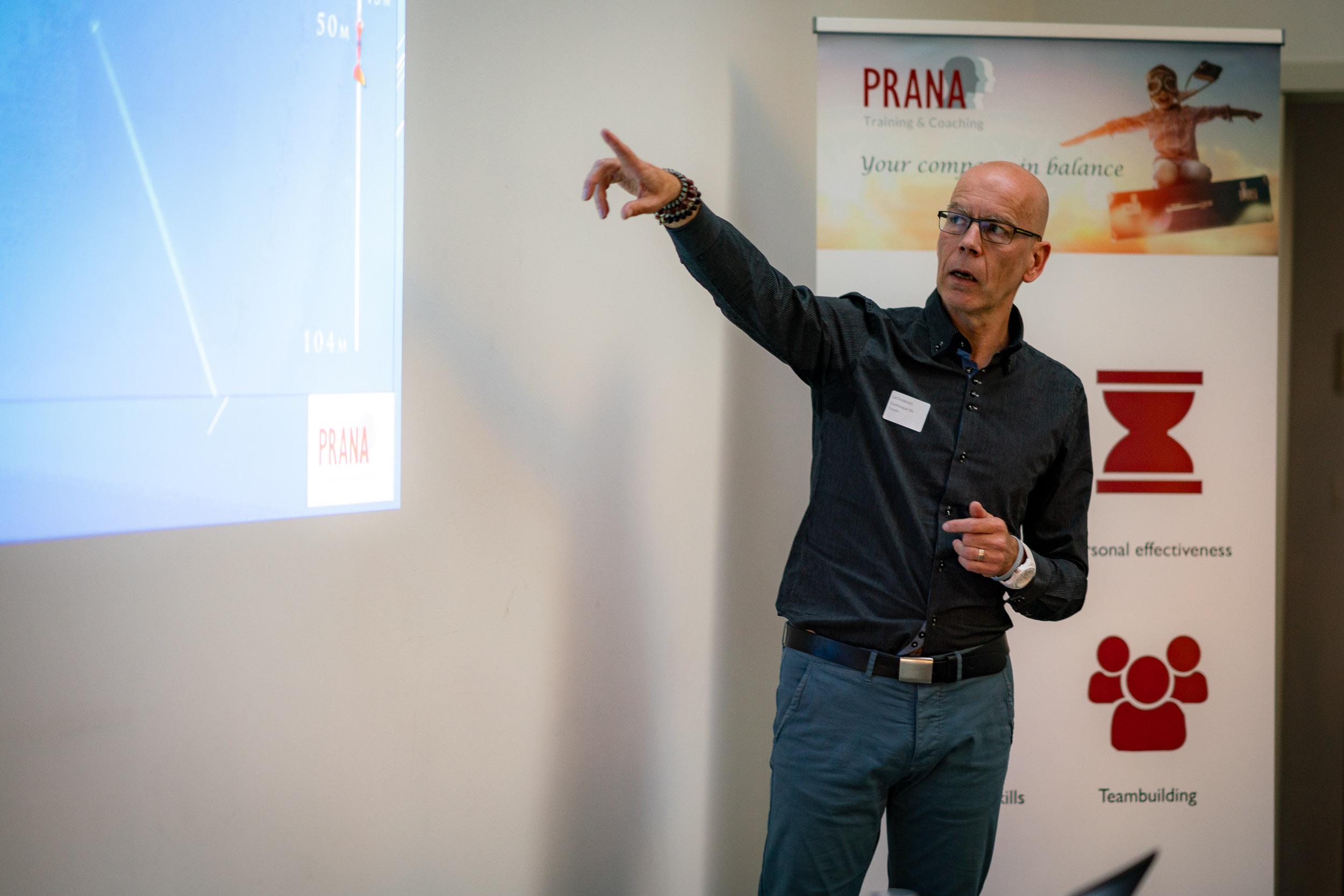 Photographie de d'une conférence organisée par la société Ca