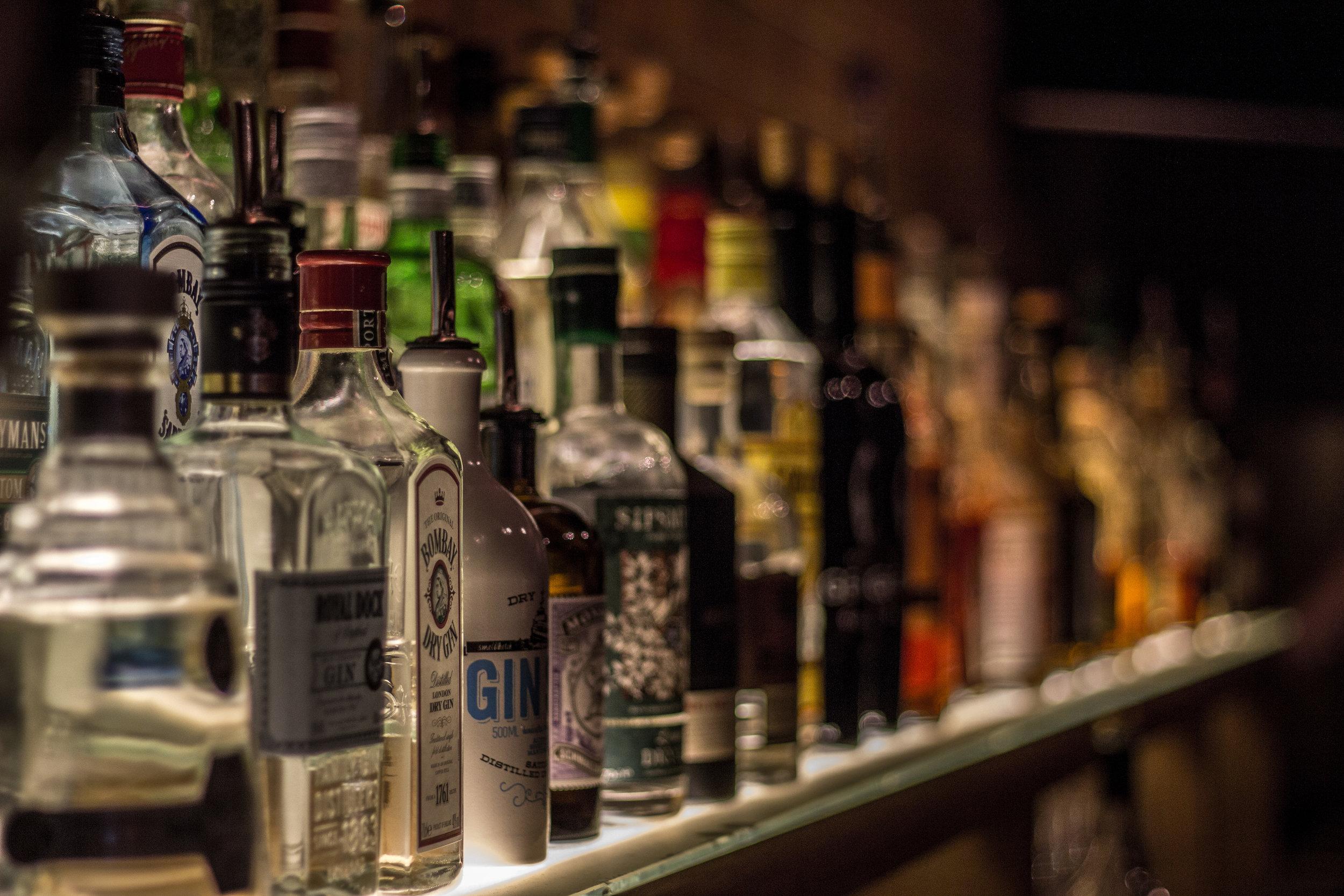 Backbar_with_various_bottles.jpg