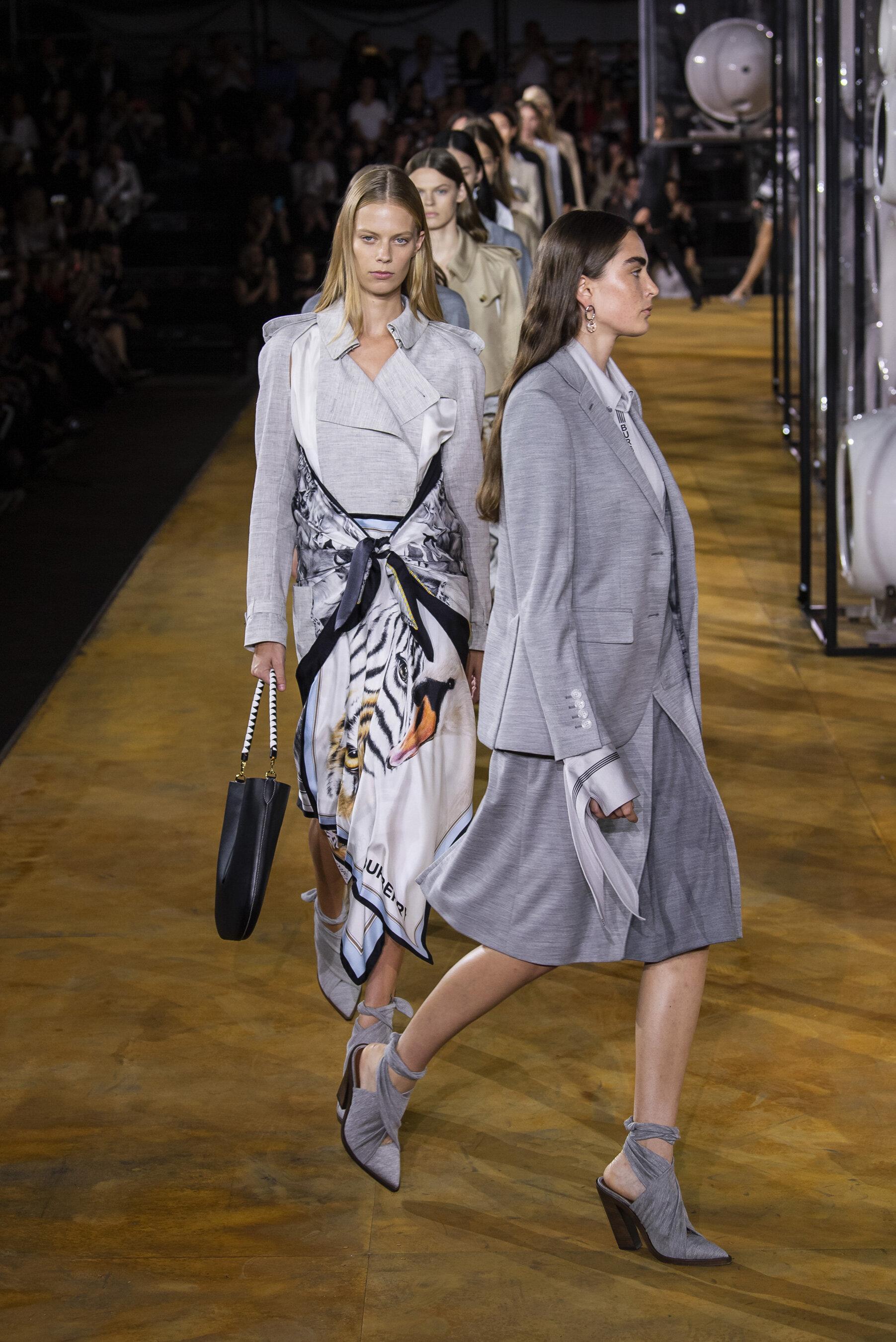 Burberry SS20 de Riccardo Tisci durante London Fashion Week.