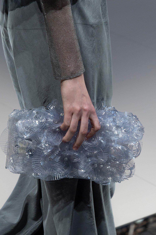 Detalles de Giorgio Armani SS20 durante Milan Fashion Week. (Imagen: theimpression.com)