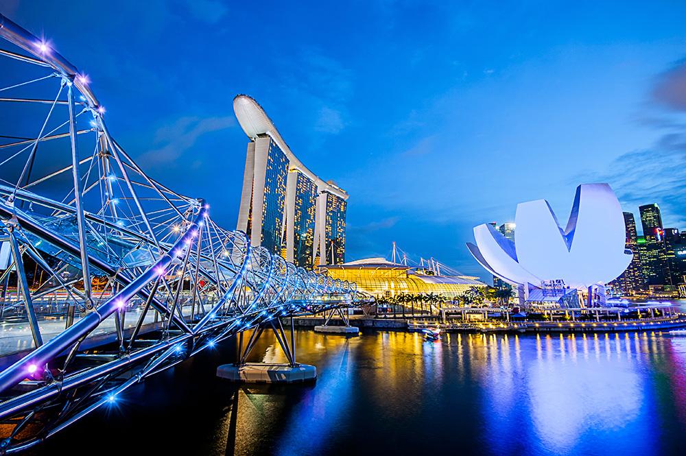 singapore-helix-bridge.jpeg