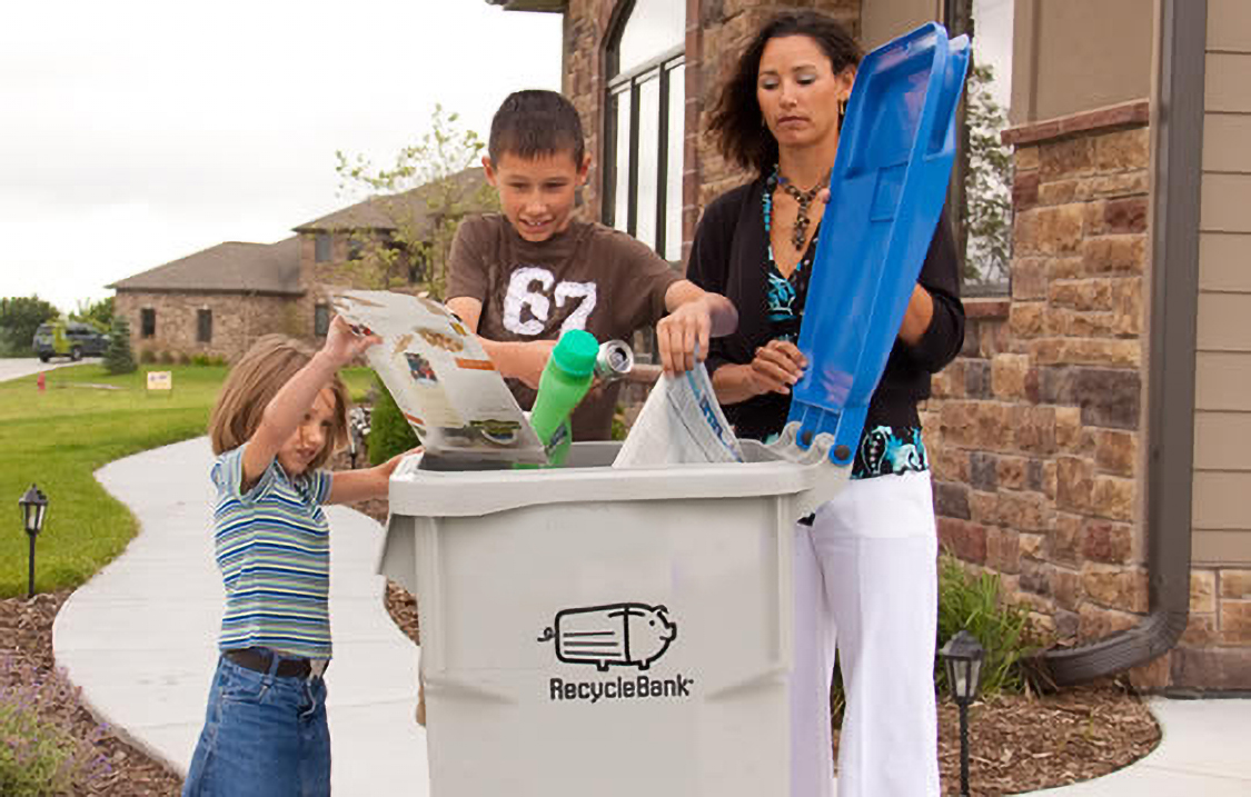 Curbside Rewards Family Recycling