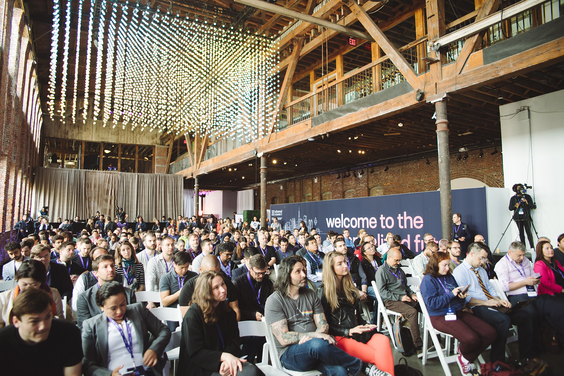 ethereal-summit-photos-new-york-2019-ethereans-main-stage-pioneer-works.jpg