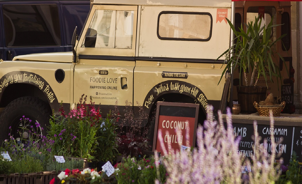 Coconut-Chilli-Land-Rover-stall-crop.jpg