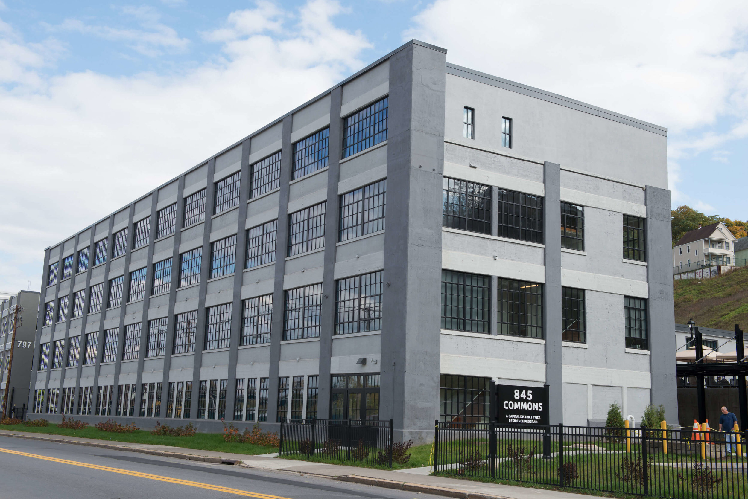 845Commons 2014 exterior1 Re4orm Architecture.jpg