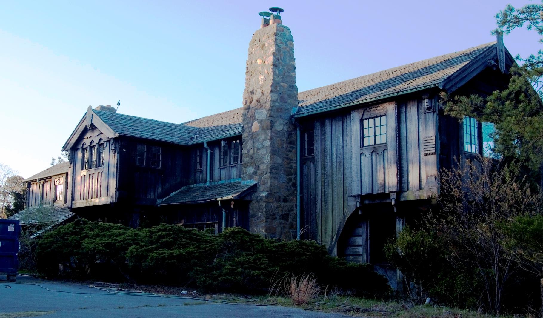 Parish Lodge Front facade.jpg