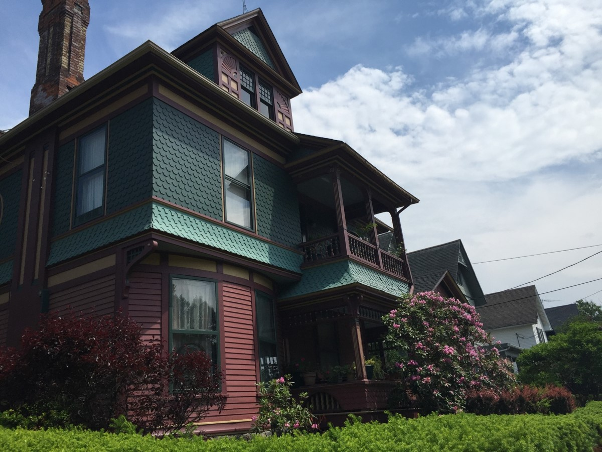 Jamestown's Lakeview Avenue Historic District