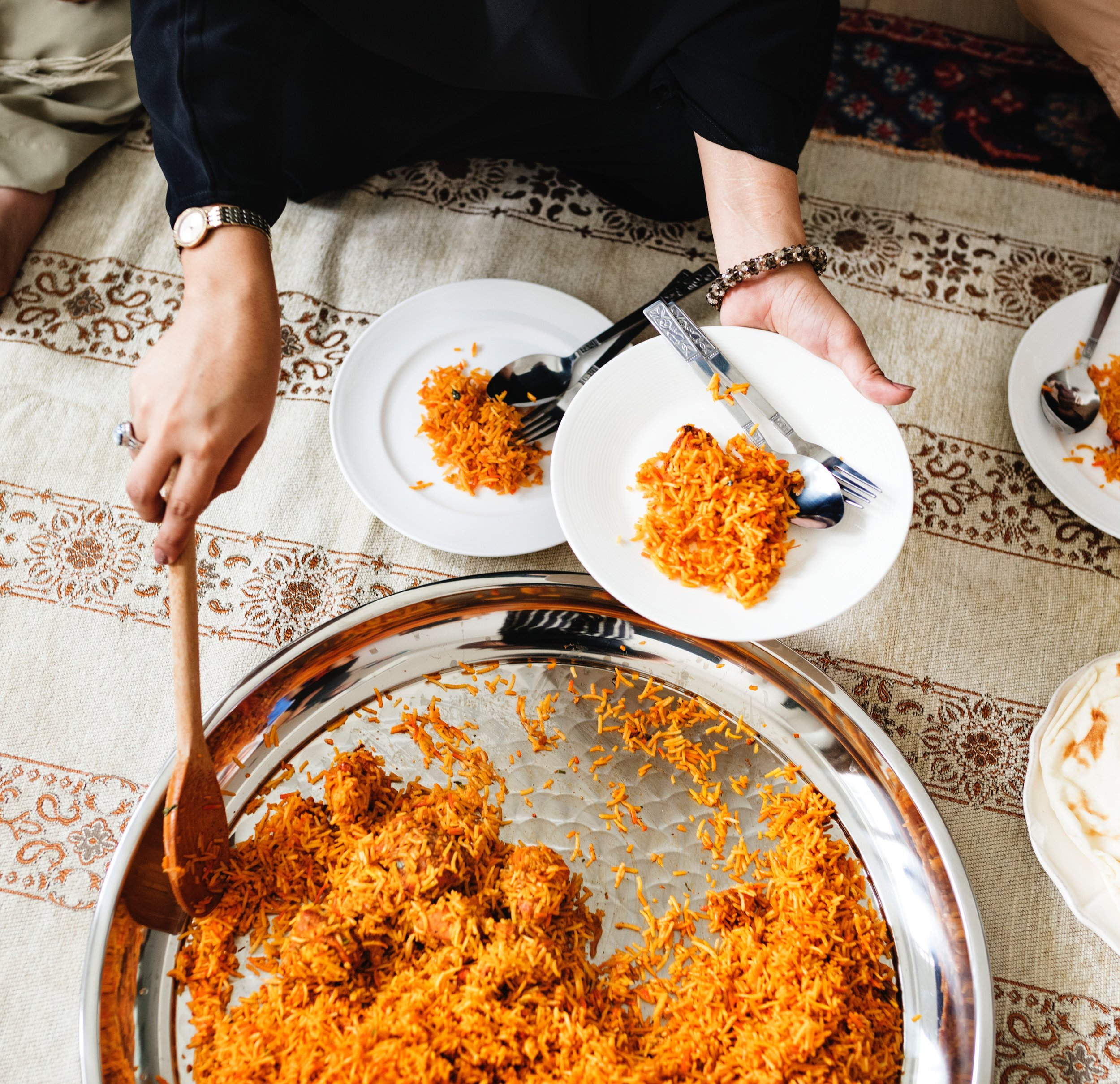 arabic-carpet-cuisine-1253532.jpg