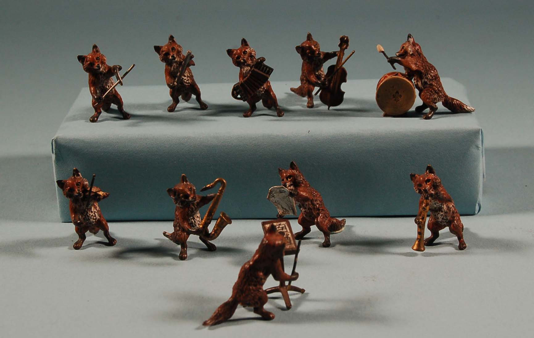 Austrian Bronze Fox Band 10 pcs 1.jpg