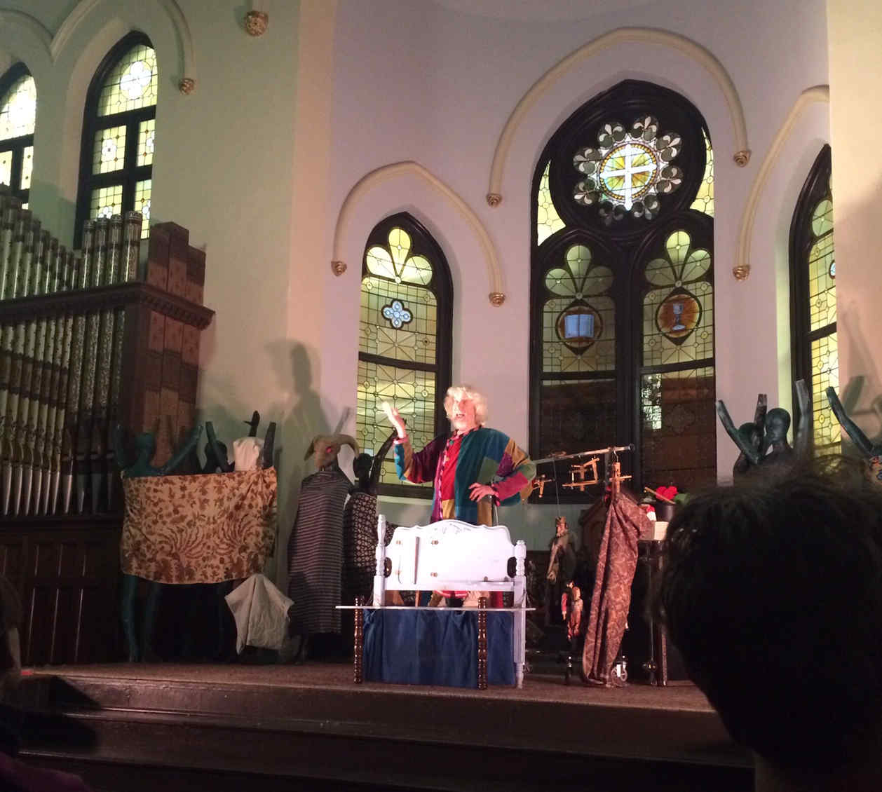 Vit Horejs of the Czechoslovak-American Marionette Theatre in a final performance at the Jan Hus Church, October 2018. Photo courtesy of Bonnie Stein.