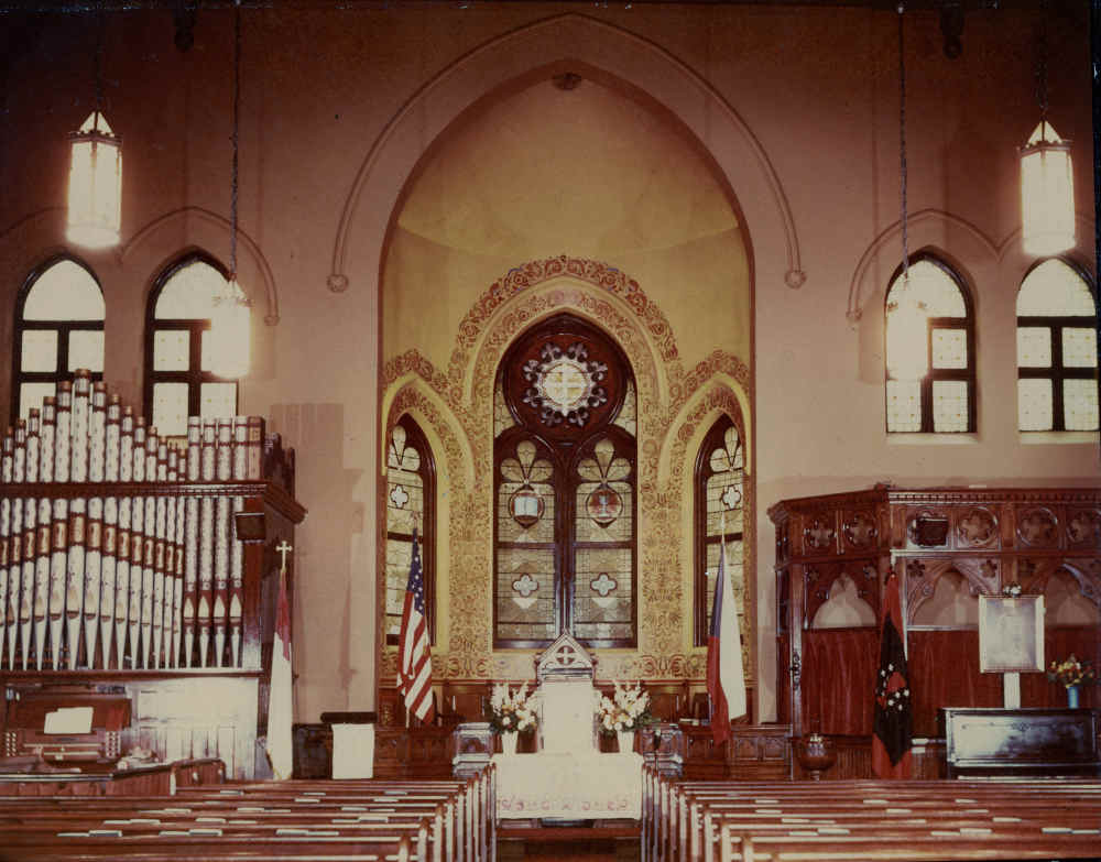 Historic interior of Jan Hus Presbyterian Church, post-1940. Photo credit: Jan Hus Presbyterian Church Archives.