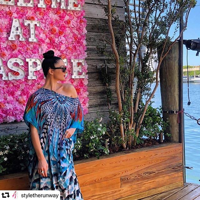 #repost @styletherunway ・・・ Taking it back to the #influencer brunch @miamifashionweek with @daniswanofficial - dancer, actress, motion capture artist and runway choreographer / creative director!  Hair products & MUA @styletherunway @woodymichlebbeauty @amymichleb Photos/Video @artistonwings @artistonwingsmedia  #MIAFW18 #miamifashionweek @miamifashionweek  #styletherunway #woodymichleb #miamifashion #fashion #runway #catwalk #runwayhair #runwayshows #fashion #hairtrends #makeuptrends #ontherunway #hair @modernsalon @hairbrained @esteticamagazine  @thecut @voguerunway  @miamifashionbusinessschool @enews @voguemexico @miamiherald @saks
