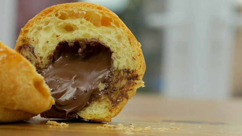 NUTELLA STUFFED BRIOCHE BUNS -