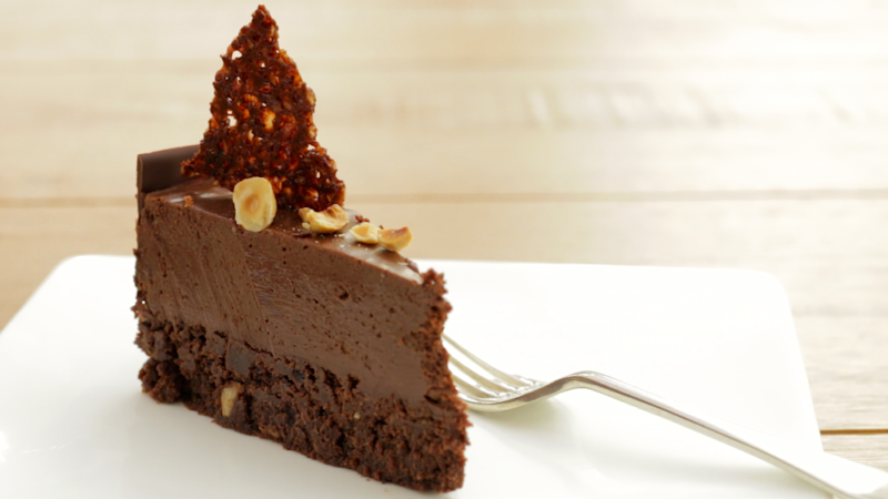 CHOCOLATE MOUSSE CAKE -
