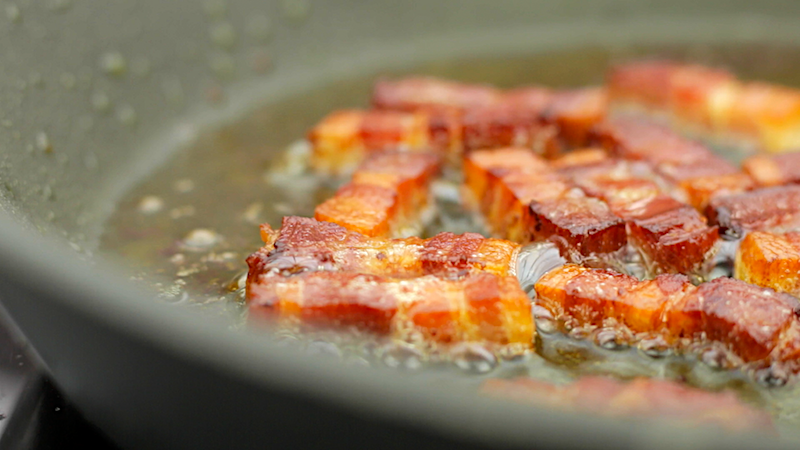 HOW TO COOK THE CRISPIEST BACON -