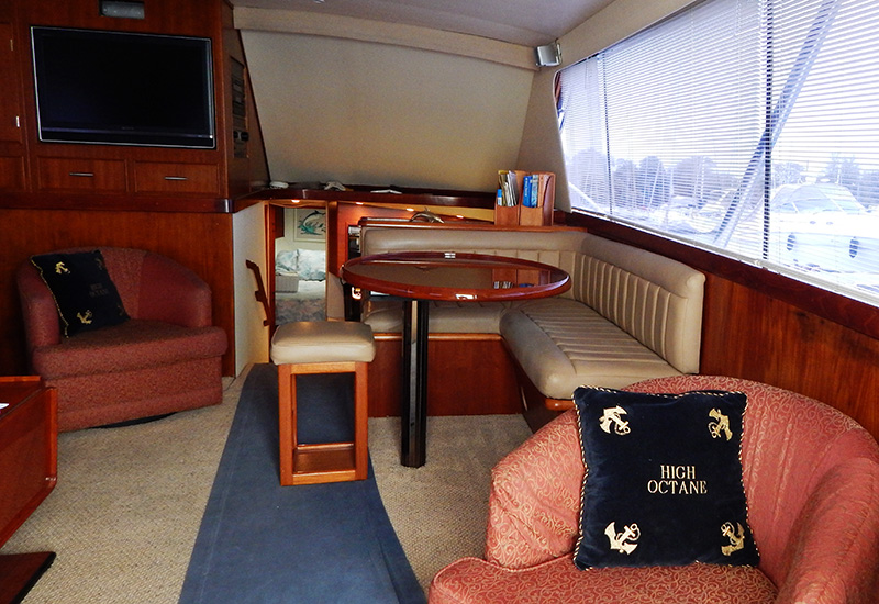 chicago-fishing-charters-high-octane-interior3b-1.jpg