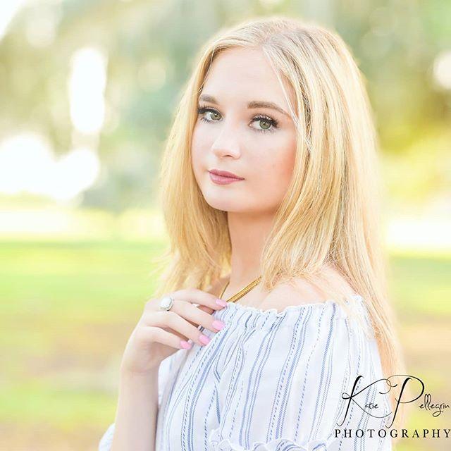 OKAY HONEY👏❤ #killingit #gorgeous #beautiful #bebold #beyou #seniorportraits #seniorpics #summertime #portraitphotography #seniorstyleguide #seniorstunner #seniorinspire #seniorpictures #classof2020 #katiepellegrinphotography