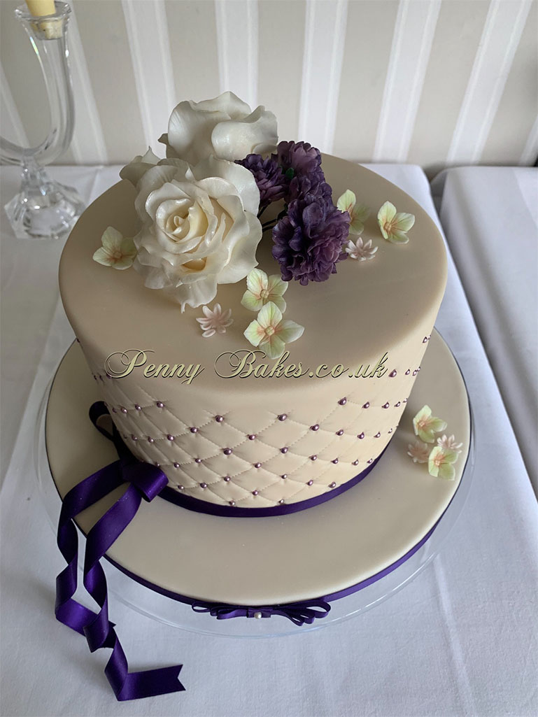 Penny_Bakes_Somerset_Cakes_Weddings_24.jpg