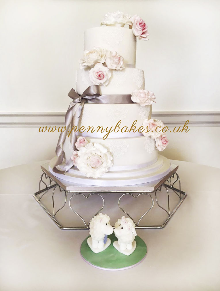Penny_Bakes_Somerset_Cakes_Weddings_01.jpg