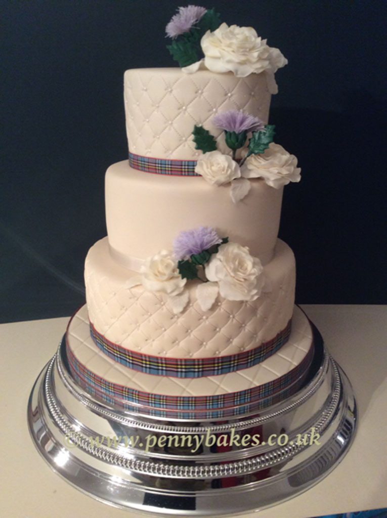 Penny_Bakes_Somerset_Cakes_Weddings_11.jpg