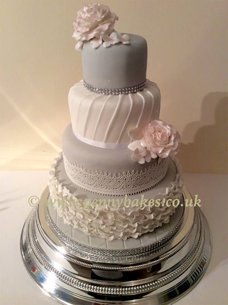Penny_Bakes_Somerset_Cakes_Weddings_39.jpg