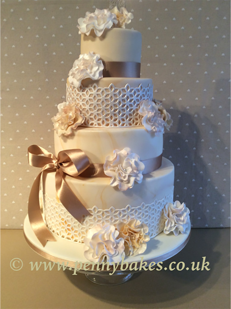 Penny_Bakes_Somerset_Cakes_Weddings_38.jpg