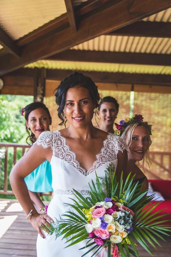 MRevenement organisation mariage à la Réunion _ La mariée et ses demoiselles d'honneur (44).jpg