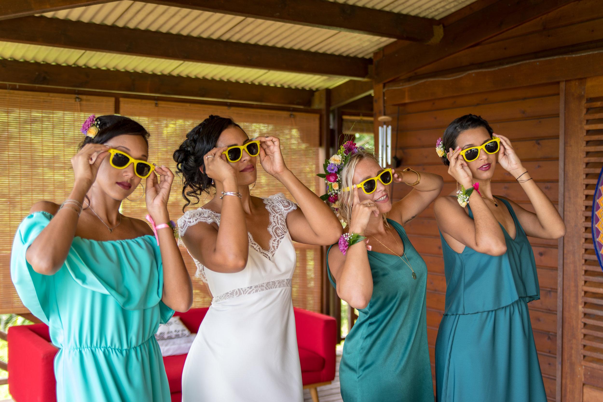 MRevenement organisation mariage à la Réunion _ La mariée et ses demoiselles d'honneur (6).jpg