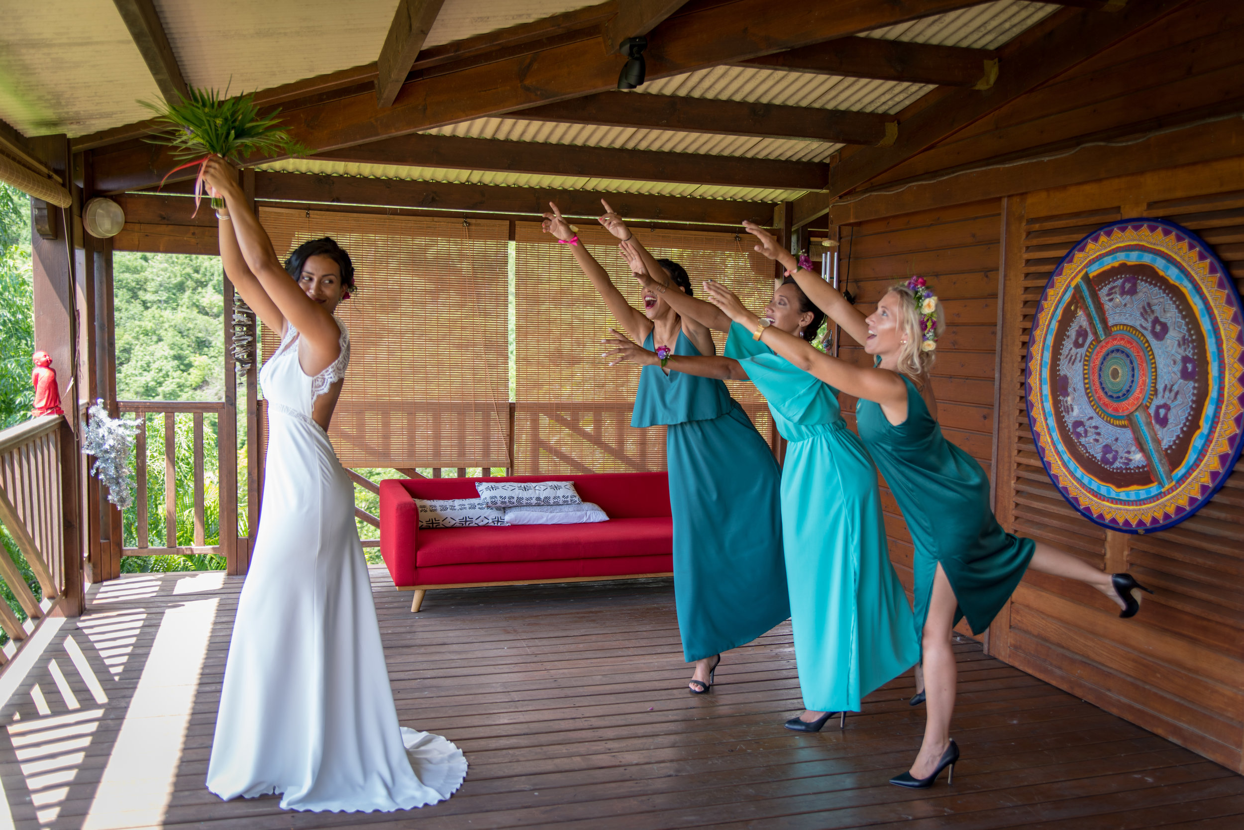 MRevenement organisation mariage à la Réunion _ La mariée et ses demoiselles d'honneur (3).jpg