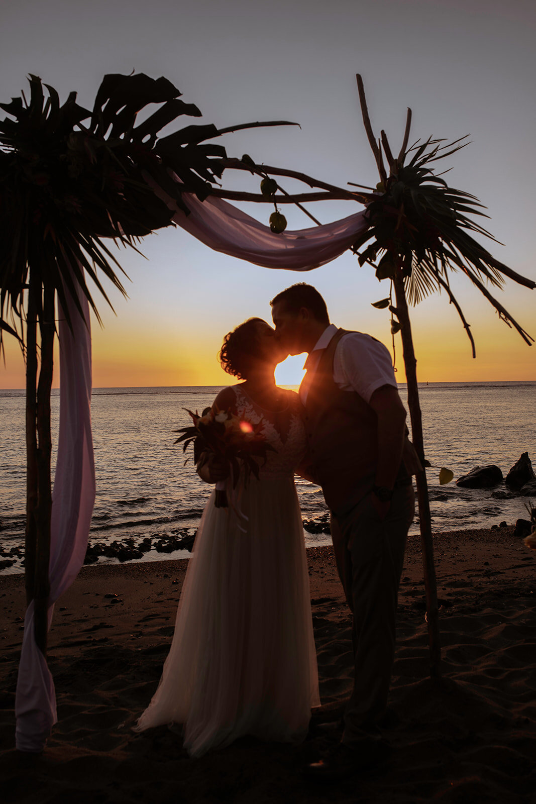 Un fort moment en émotions - On n'a pas pu se retenir de verser une larme pendant les échanges de vœux. Les mariés ont réalisé des discours émouvants, touchants, intenses et sincères qui ont ému toutes les personnes réunies. A & S partagent un amour unique et fort.