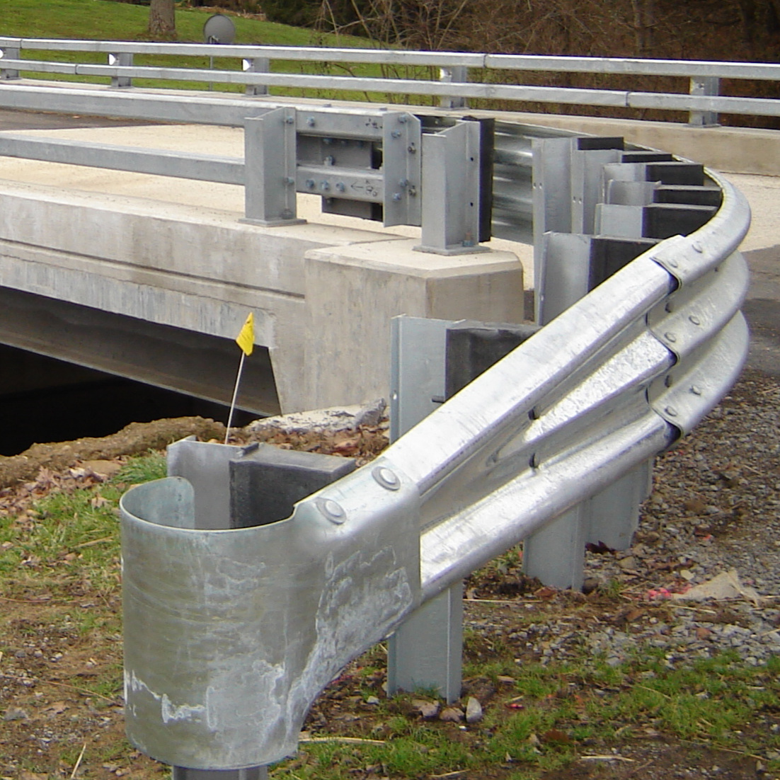 Guide rail - If you are looking for standard items or custom for a specific job, Quality Bridge is capable of meeting your needs.