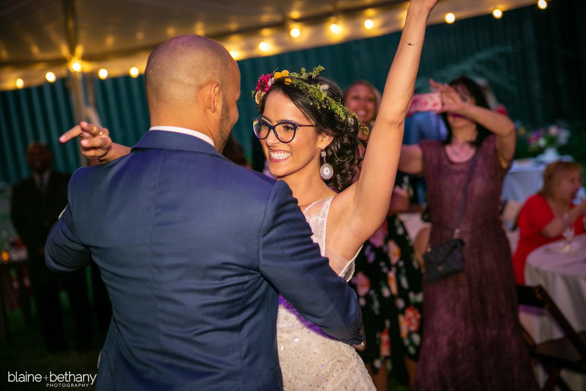 ss102-532-11-briana-jesse-wedding.jpg