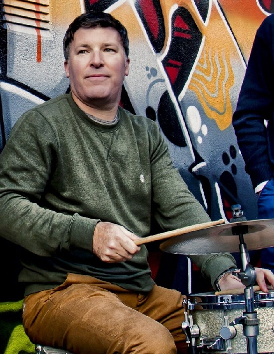 Ian McTigue - Drum Kit, Percussion & BodhranAvailability: Monday, Tuesday or WednesdayStyles: Pop, Rock, Blues, Jazz and more…Qualifications: RSL Grade 8