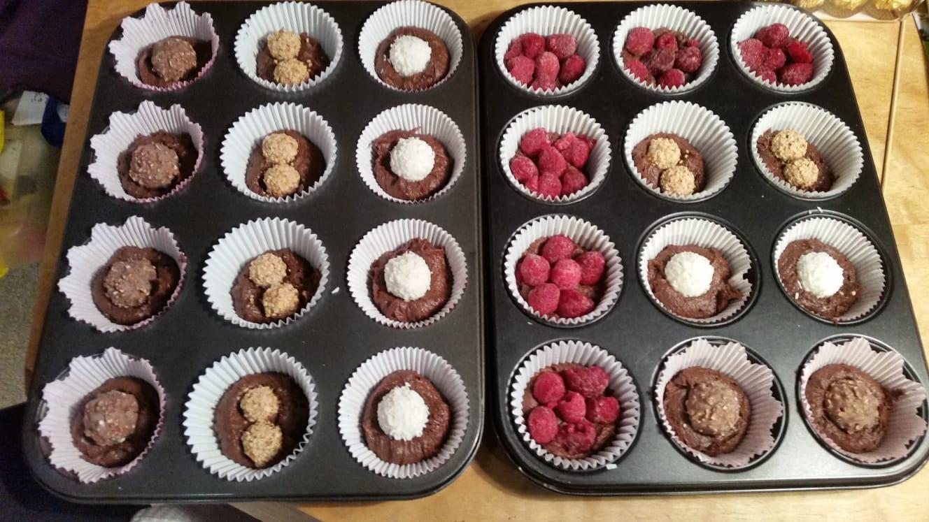 party-cupcakes-tray.jpeg