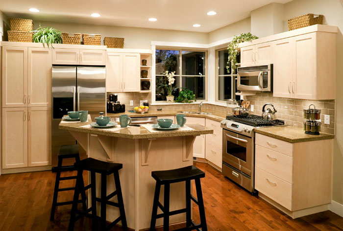 700 - Kitchen Island.jpg