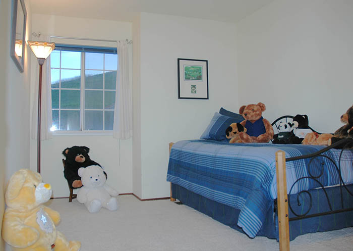 700 Douglas Small Bedroom.jpg