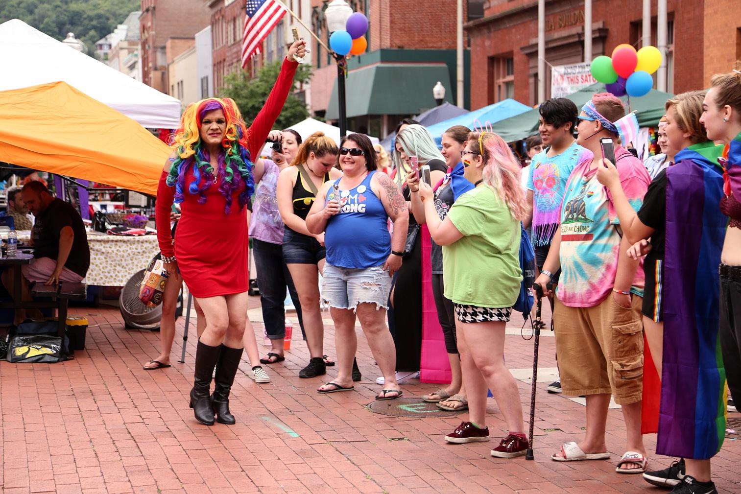 Pride2018_325_family peek.jpg