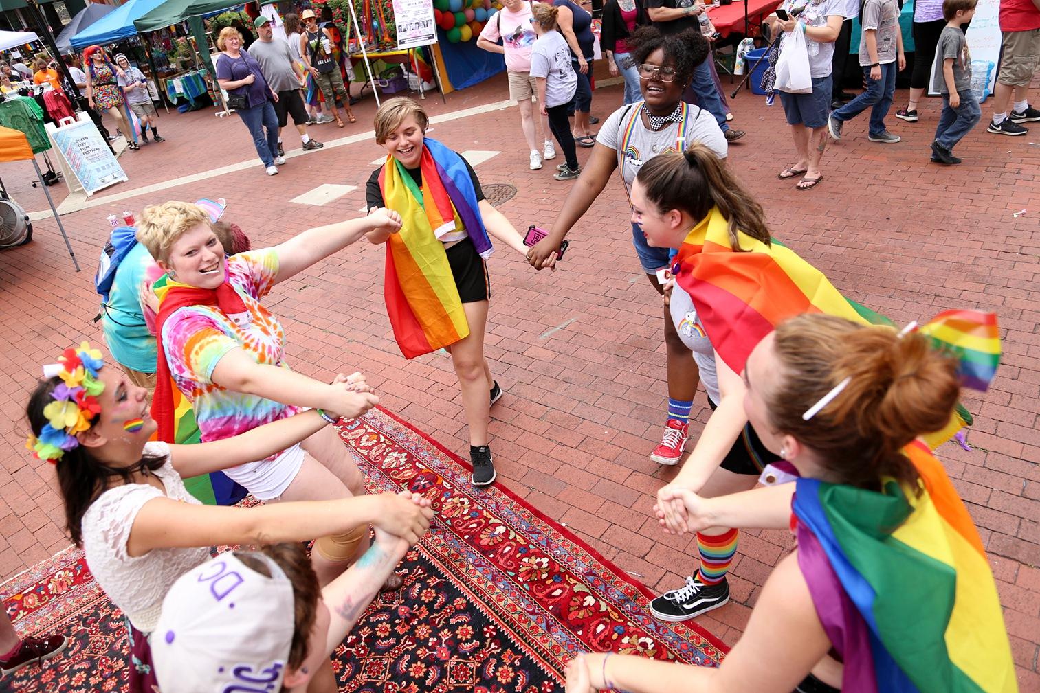 Pride2018_310_family peek.jpg
