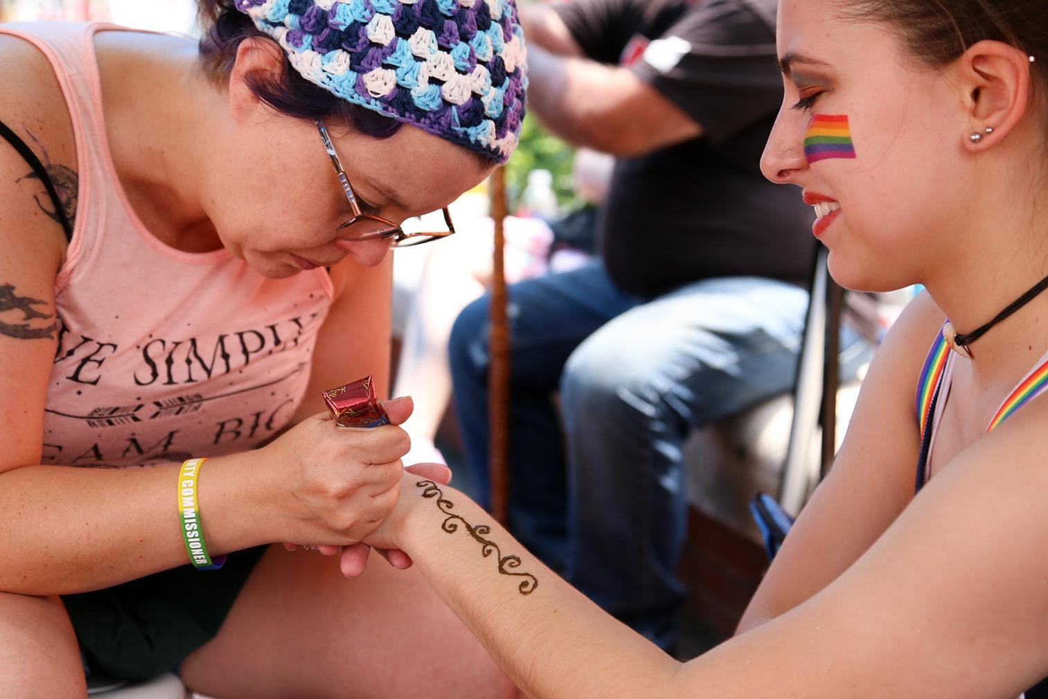 Pride2018_161_family peek.jpg