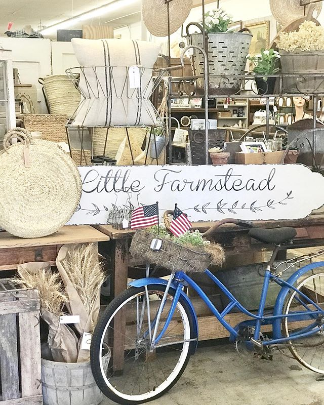 Happy Saturday friends! If you're local in the Seattle area, we'd love you to stop by our shop space inside of @mandmantiques in Monroe, WA where you'll find some freshly stocked items! Also, several of the shop's vendors are having sales. 🤗 Hope you enjoy the weekend!