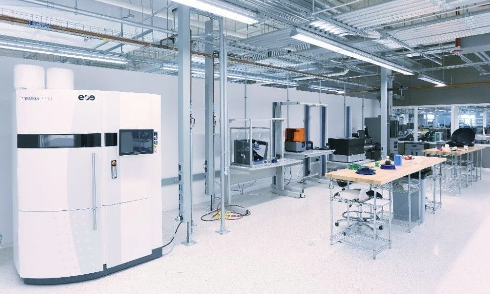 mHUB has a dedicated 3D printing lab with Polyjet, SLS, SLA, FDM, and Metal machines.