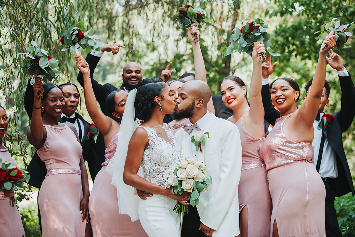 Midwest Wedding based in St. Louis photographer for the Modern and Adventurous couples who strive to create a stronger love and bond through unforgettable moments.