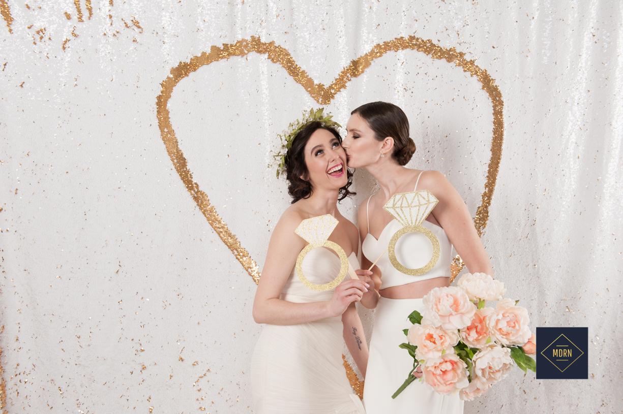 ea12c-whitewedding.jpgwhitewedding.jpg