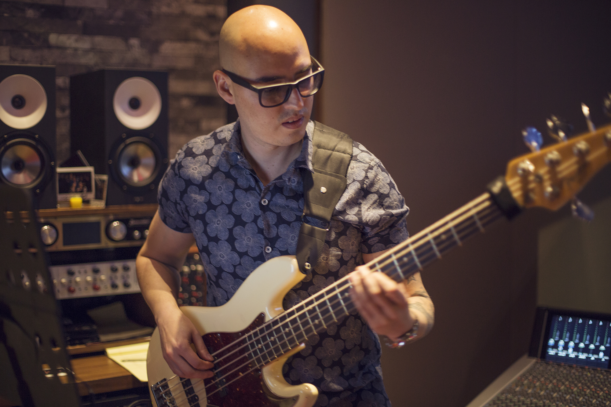 Leo Bass 1.jpg