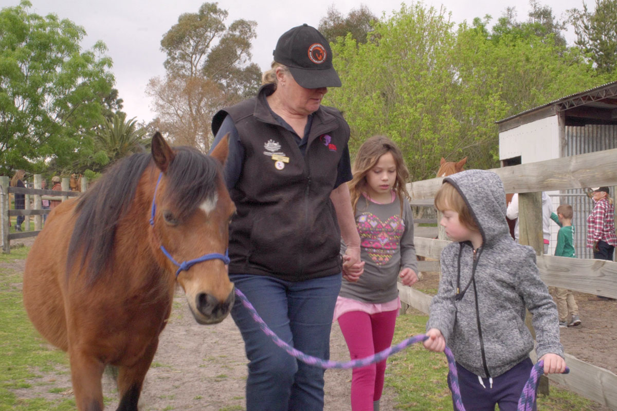 Equine-Therapy-2.jpg